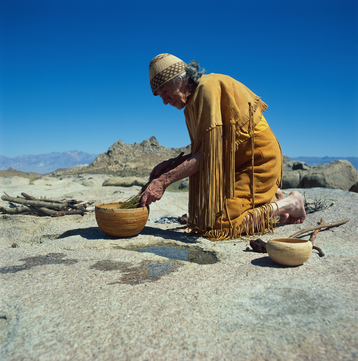 USA - Native Americans - Paiute - Shoshone - Clara from Bigpine making traditional tea
