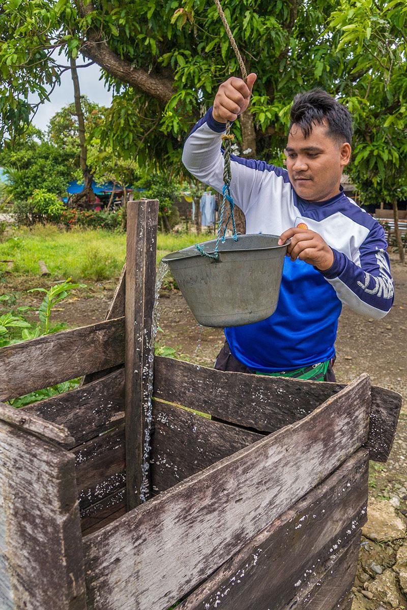 Philippines - Santa Ana - water dwell