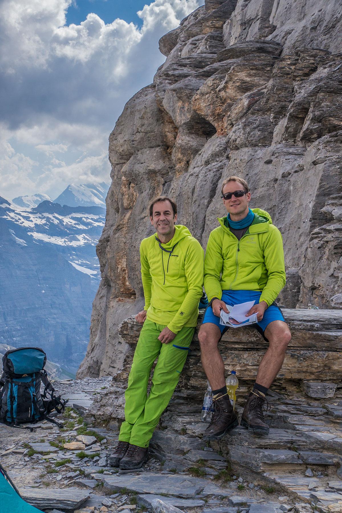 Mathias Weck und Felix Mehne am Rotstock vor der Eiger Nordwand
