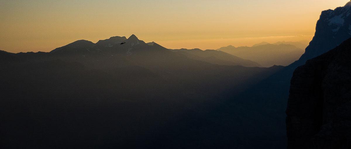 Verletzten Abtransport aus der Eiger Nordwand bei Sonnenaufgang