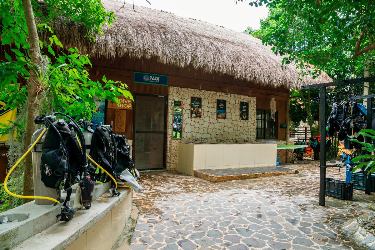 Moalboal, Cebu - Tauchbasis