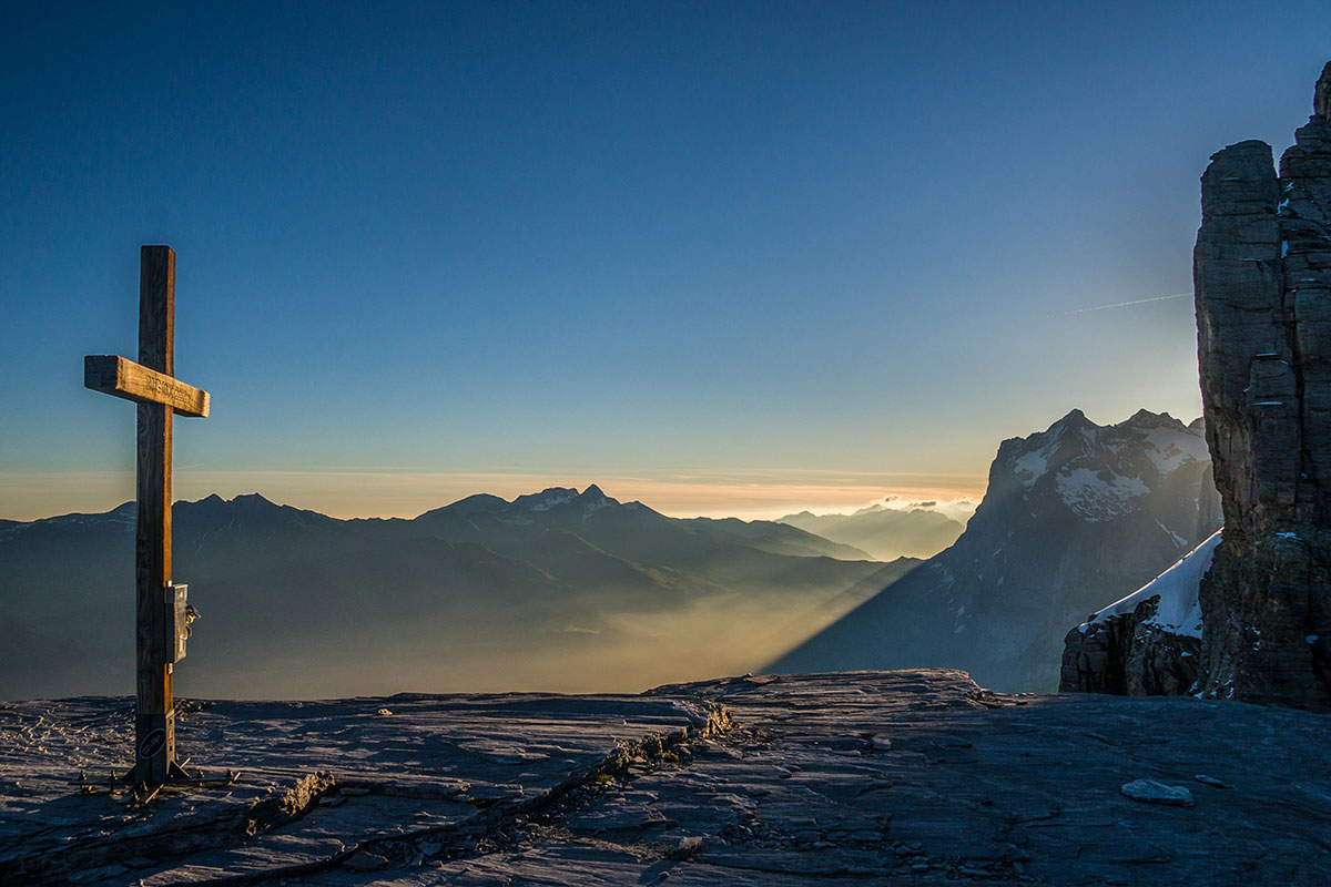 Sunrise at Rotstock - Eiger north face