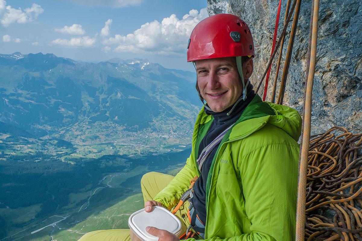 Felix Mehne - resting at Eiger - Genfer Pfeiler -