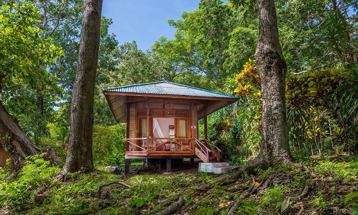 Indonesia, Manado, Bunaken Island, Seabreeze Resort, Bungalow