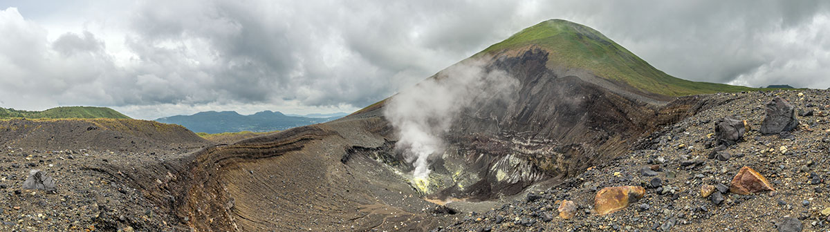 Indonesia, Manado, Lokon Volcano Trekking Tour, view into the Crater