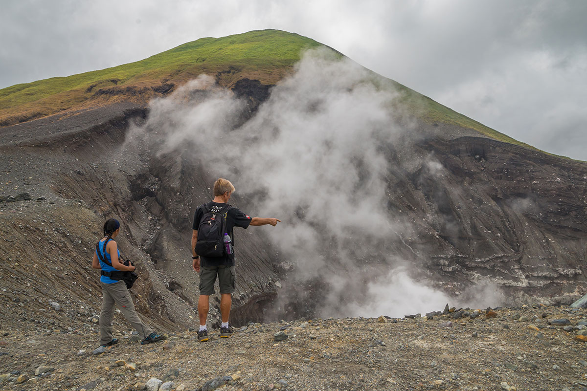 Indonesia, Manado, Lokon Volcano Trekking Tour, view into Crater