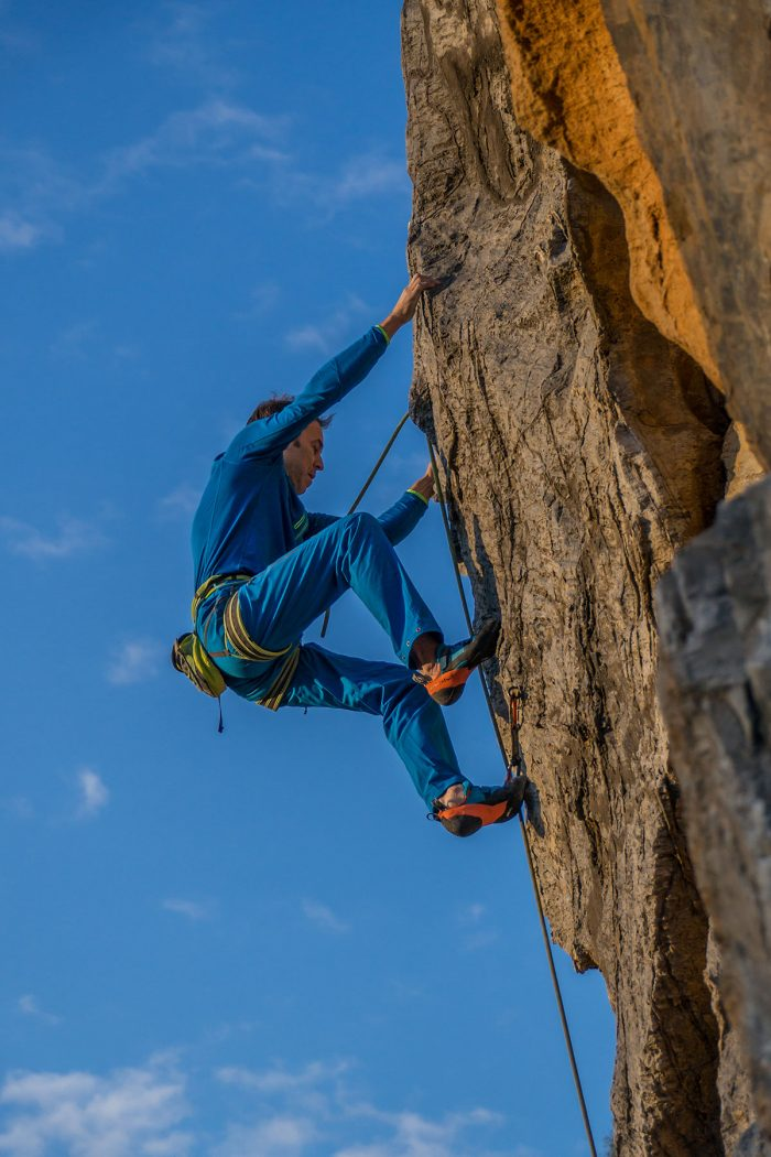 "Warstein, Hillenberg, Route ""Verdon Couture"", 9+, Climber Mathias Weck, Photographer: Thihamy Nguyen"
