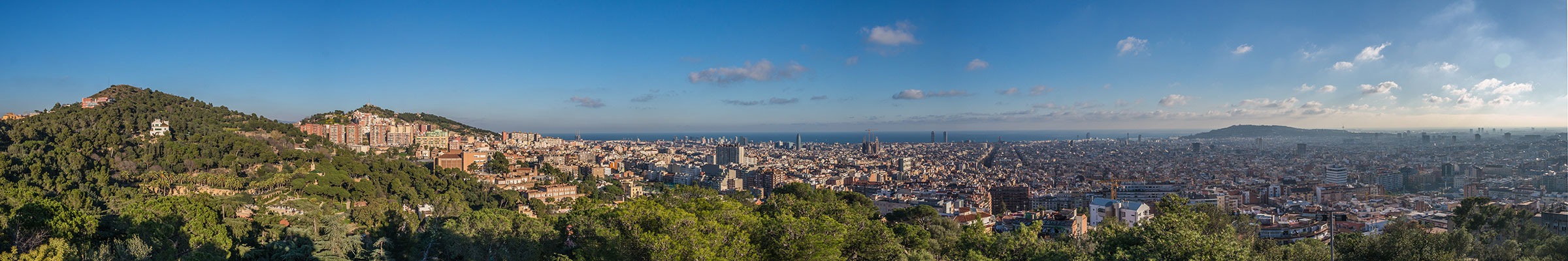Barcelona - Stadtpanorama vom Park Güell aus