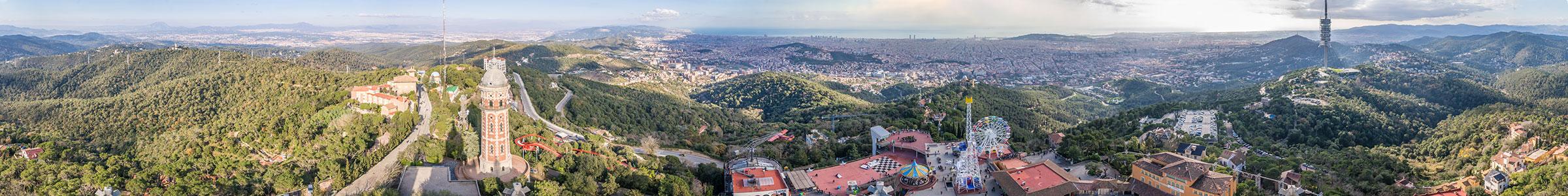 Barcelona Tibidabo - Blick von der Kirche Sagrat Cor auf Barcelona