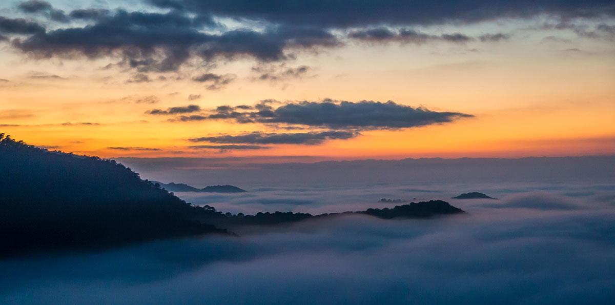 Tarragona - Sonnenuntergang mit Nebel bei Arboli