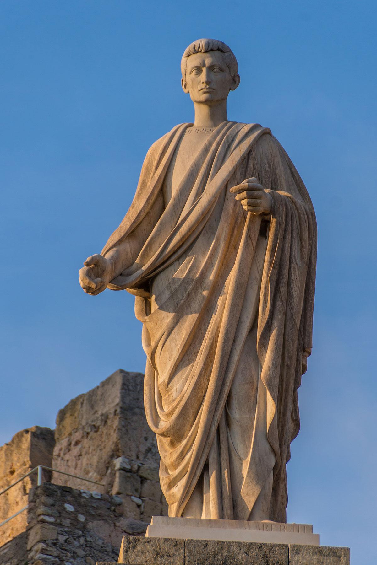 Spanien, Katalonien, Tarragona, römische Statue am Passier de Sant Antoni