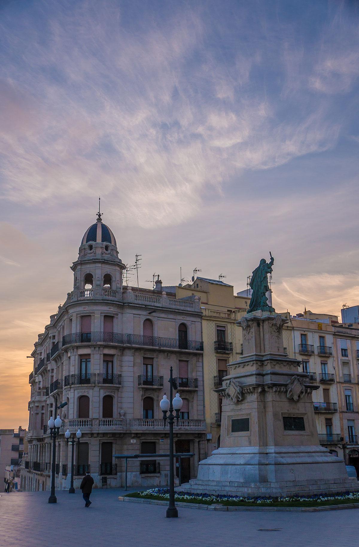 Spain, Catalonia, Tarragona, Monument a Roger de Llúria