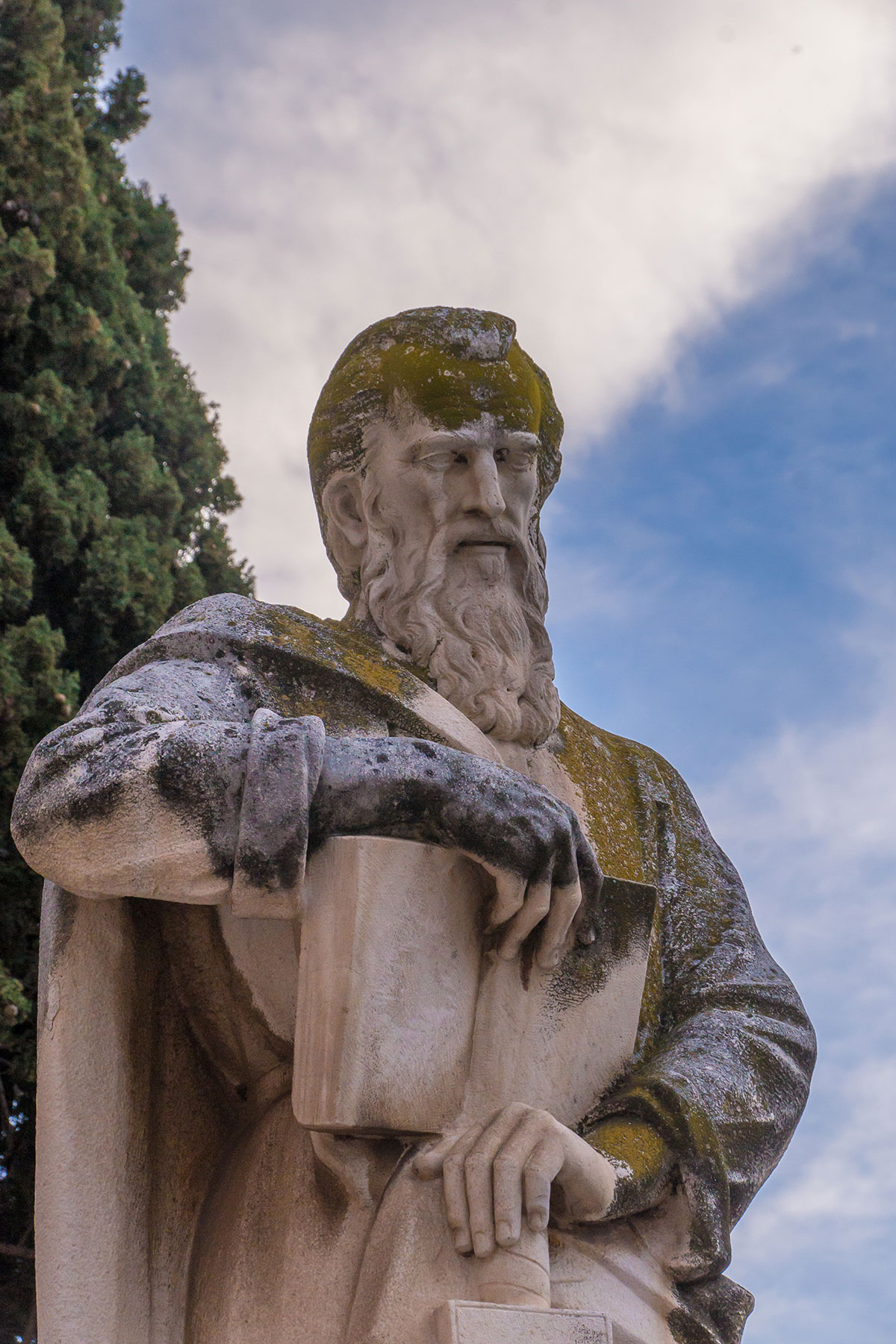 Spain, Catalonia, Tarragona, statue