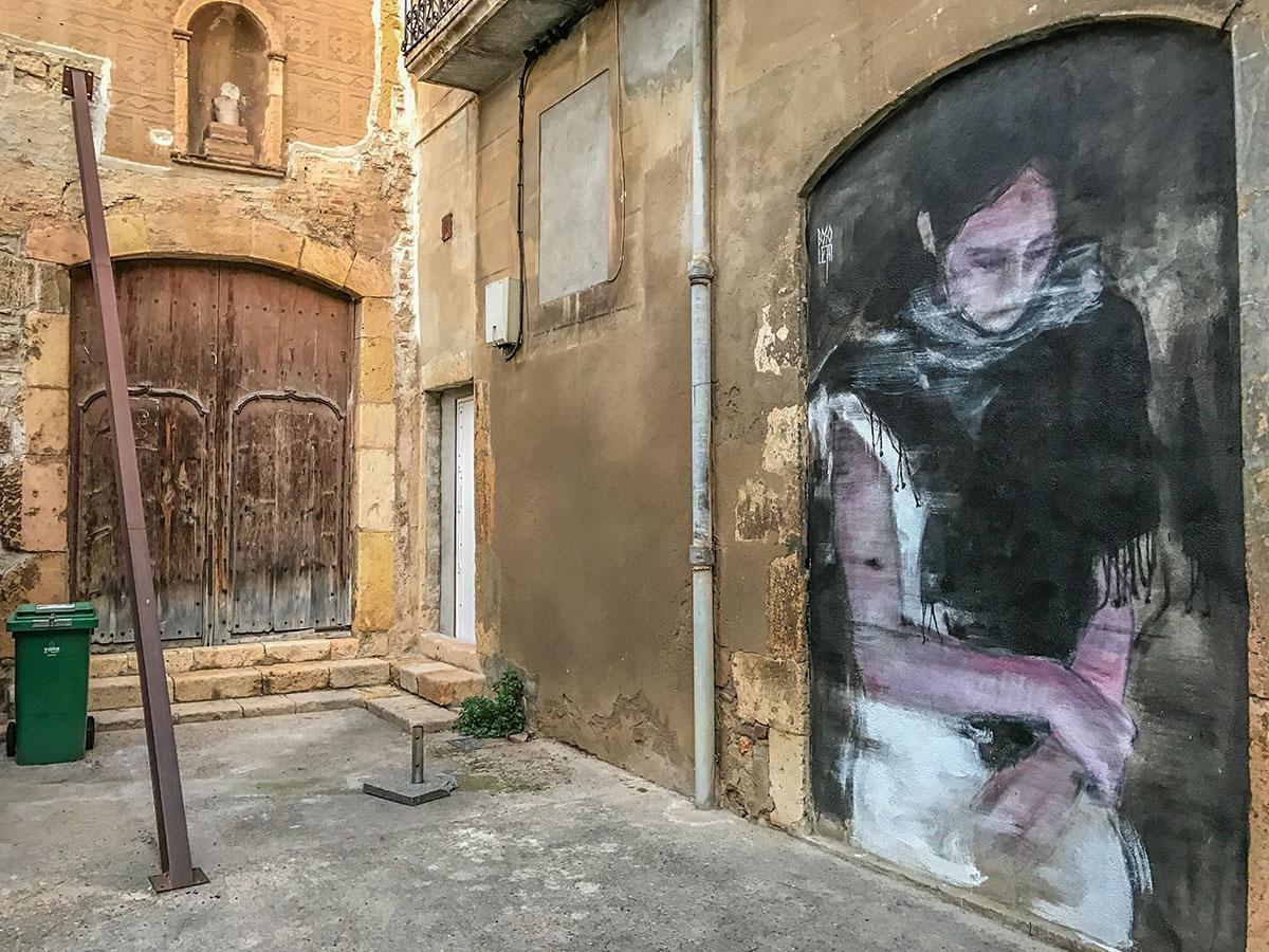 Spanien, Katalonien, Tarragona, Mauer mit Graffiti