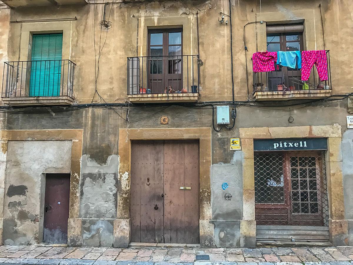 Spain, Catalonia, Tarragona, facade with balcony's