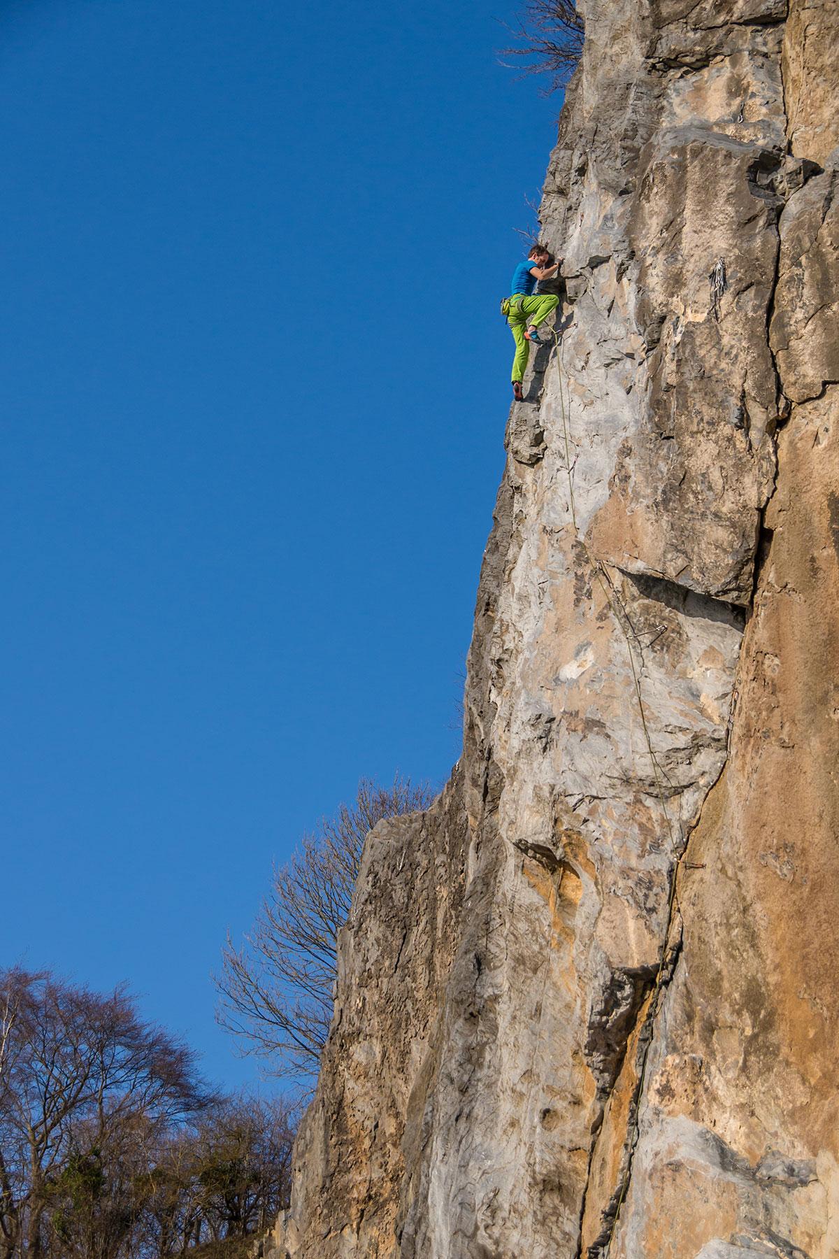 """Warstein, Hillenberg, Route """"Sidewinder"""", 9-, Kletterer Mathias Weck"""