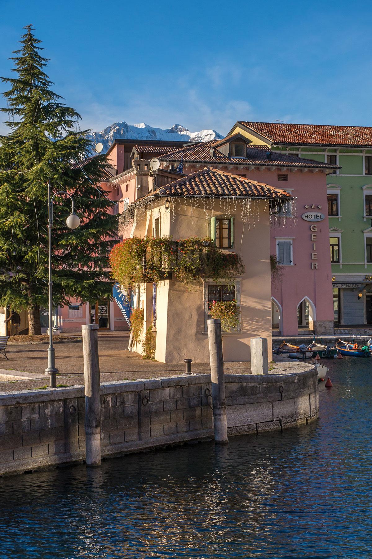 Hafen von Torbole am Gardasee
