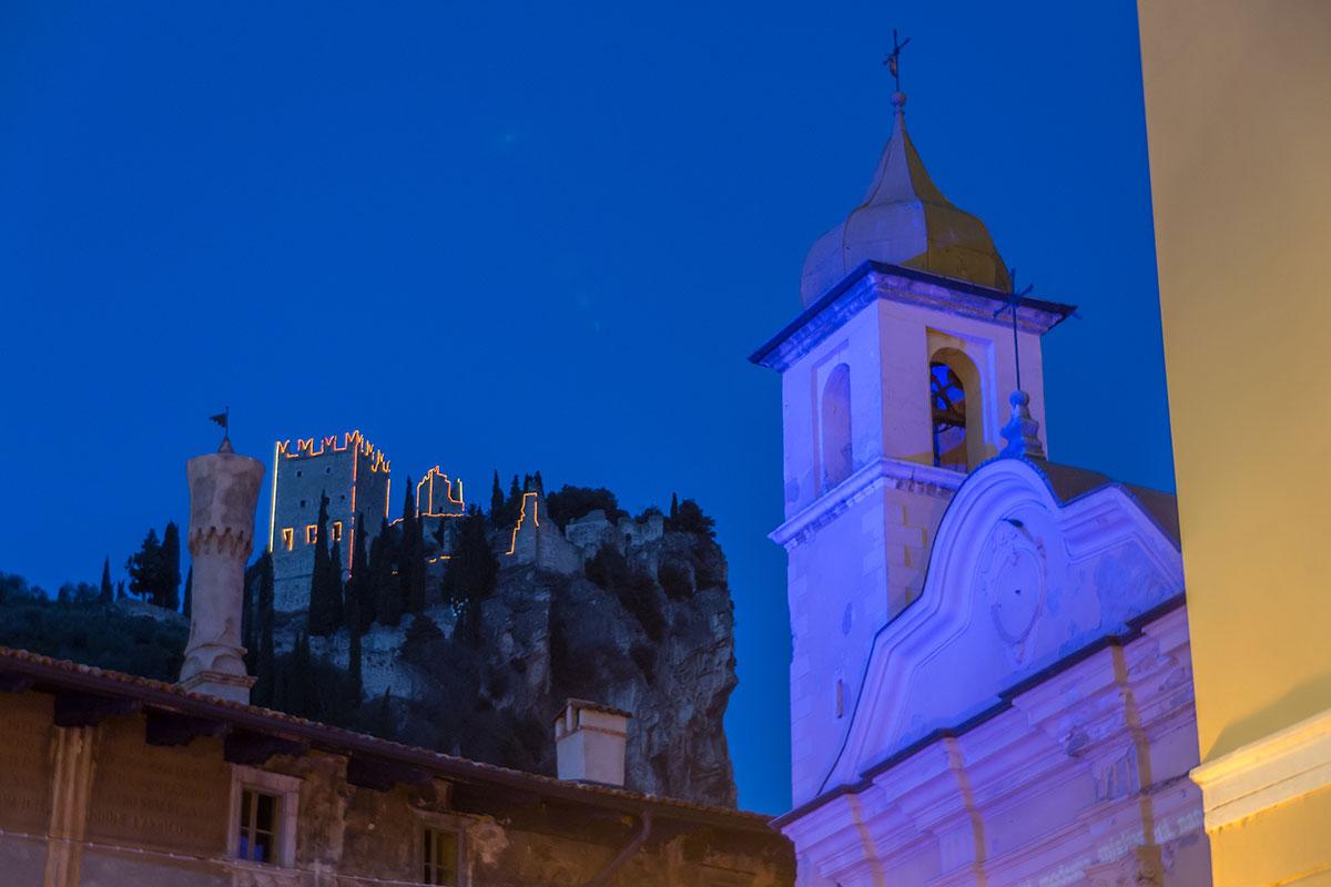 Kirche in Arco mit Burg