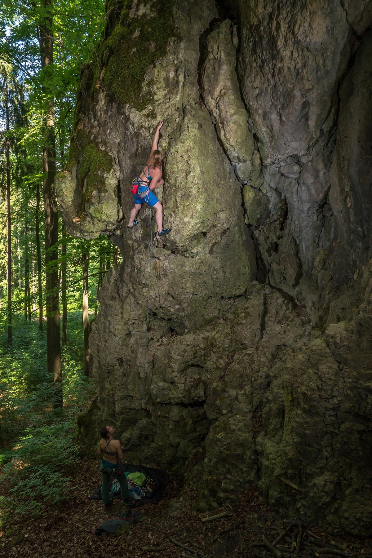 Frankenjura, Osterloch, Höhlenjodler, 6-, Kletterer Kerstin Höch