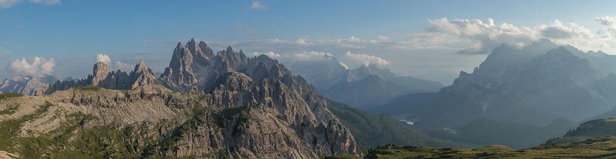 Blick von der Auronzo Hütte zu den Cardinispitzen und zum M. Cristallo