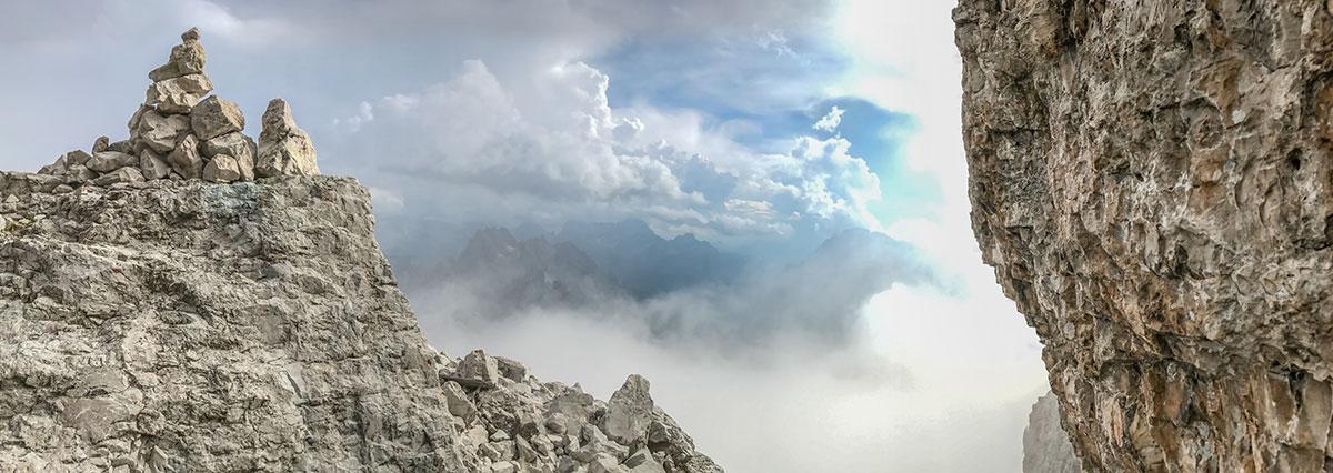 Grosse Zinne Normalweg, Abstieg in die Wolken
