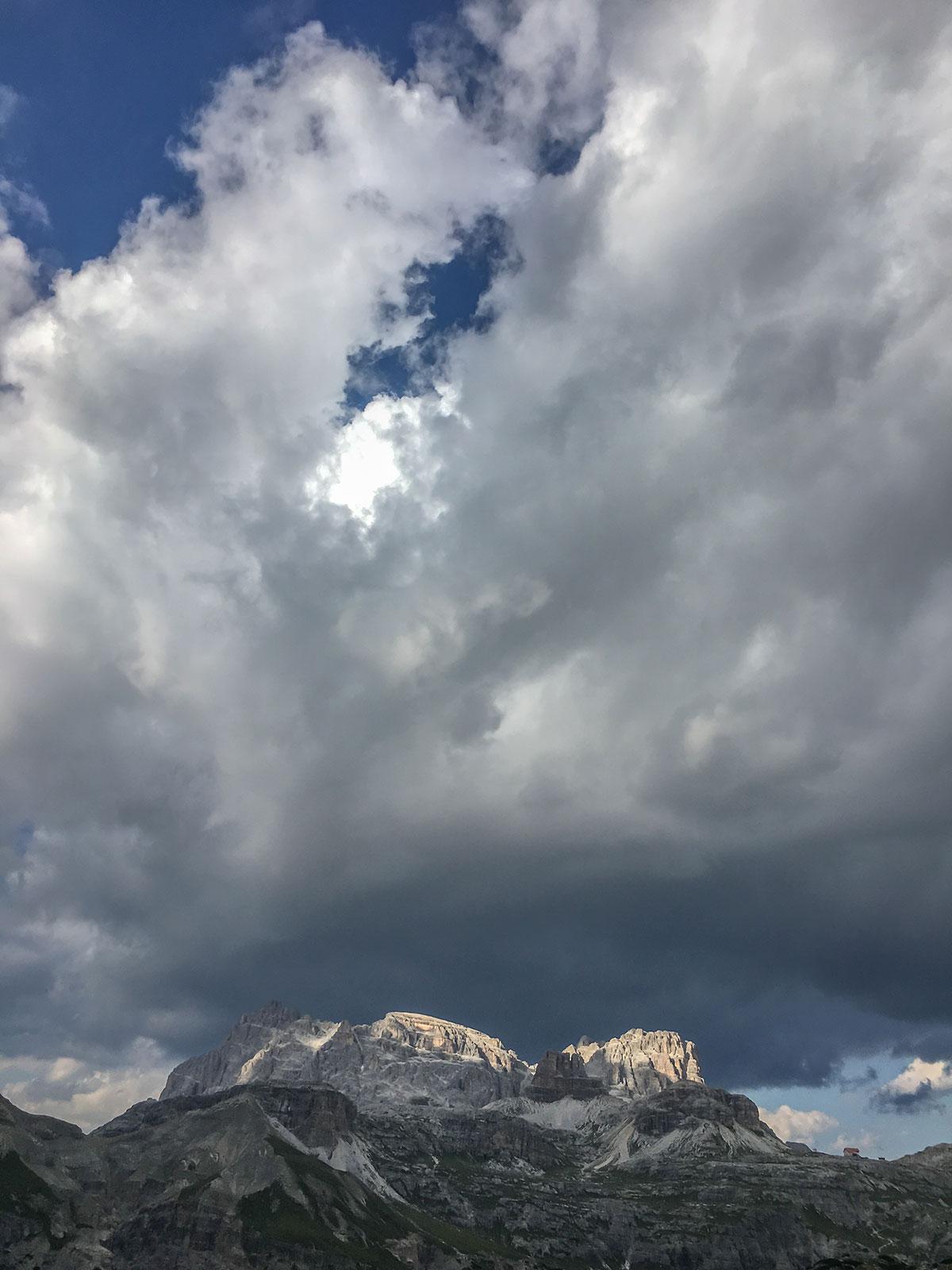 Dolomiten Wolkenstimmung an den Drei Zinnen