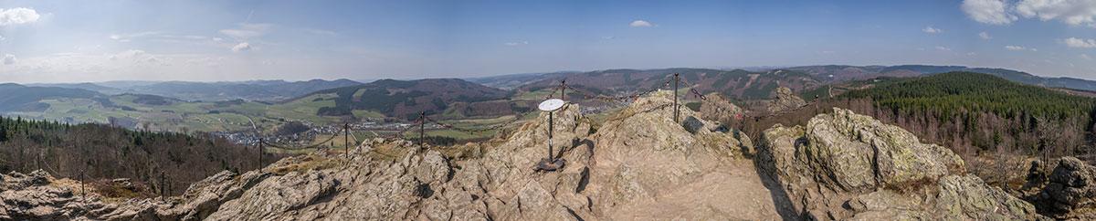 Bruchhauser Steine - Gipfelaussicht
