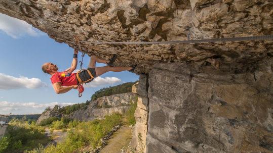 "Warstein, Oberhagen, Route ""Swing Time Deluxe"", 9+, Climber Axel Thümmler"