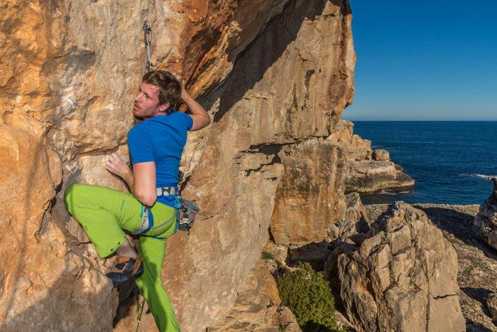 """Mallorca, Torre d'en Beu, route """"El Caracol Loco"""", 7c, climber Florian Frohn"""