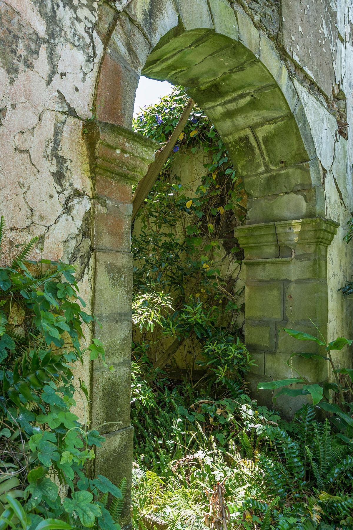 Azoren, Faial, Iglesia ruin Pedro Miguel