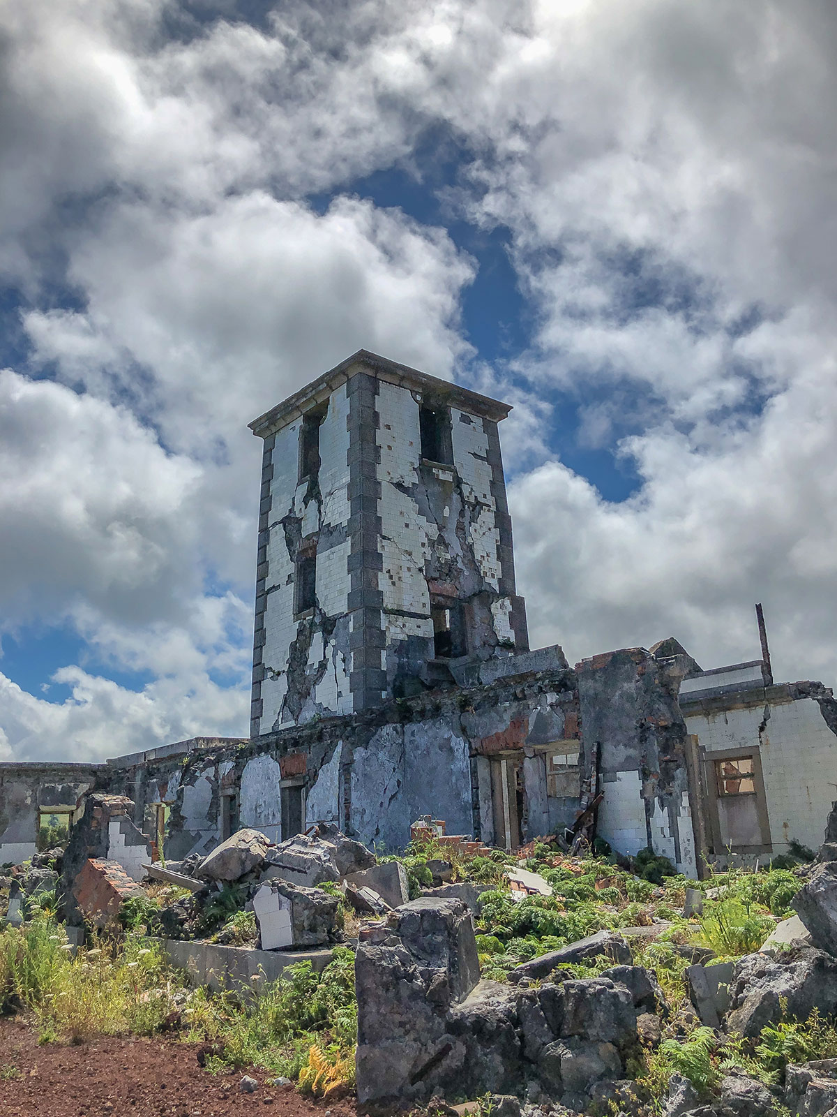 Azoren, Faial, Leuchtturm Ruinen bei Ribeirinha