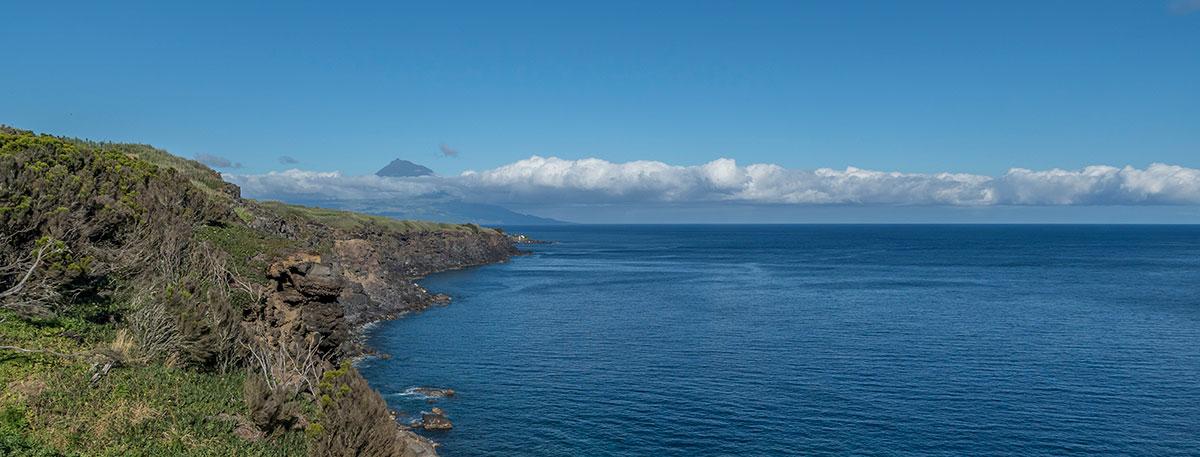 Azoren, Faial, Ponta de Castelo Branco, Blick auf Pico
