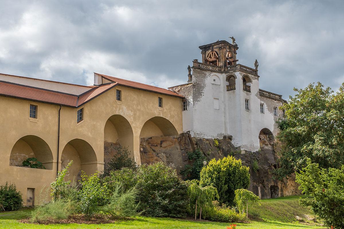 Elbtal bei Děčín, am Schloss