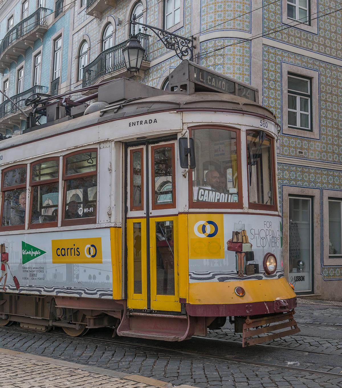 Portugal, Lissabon, Tram 24