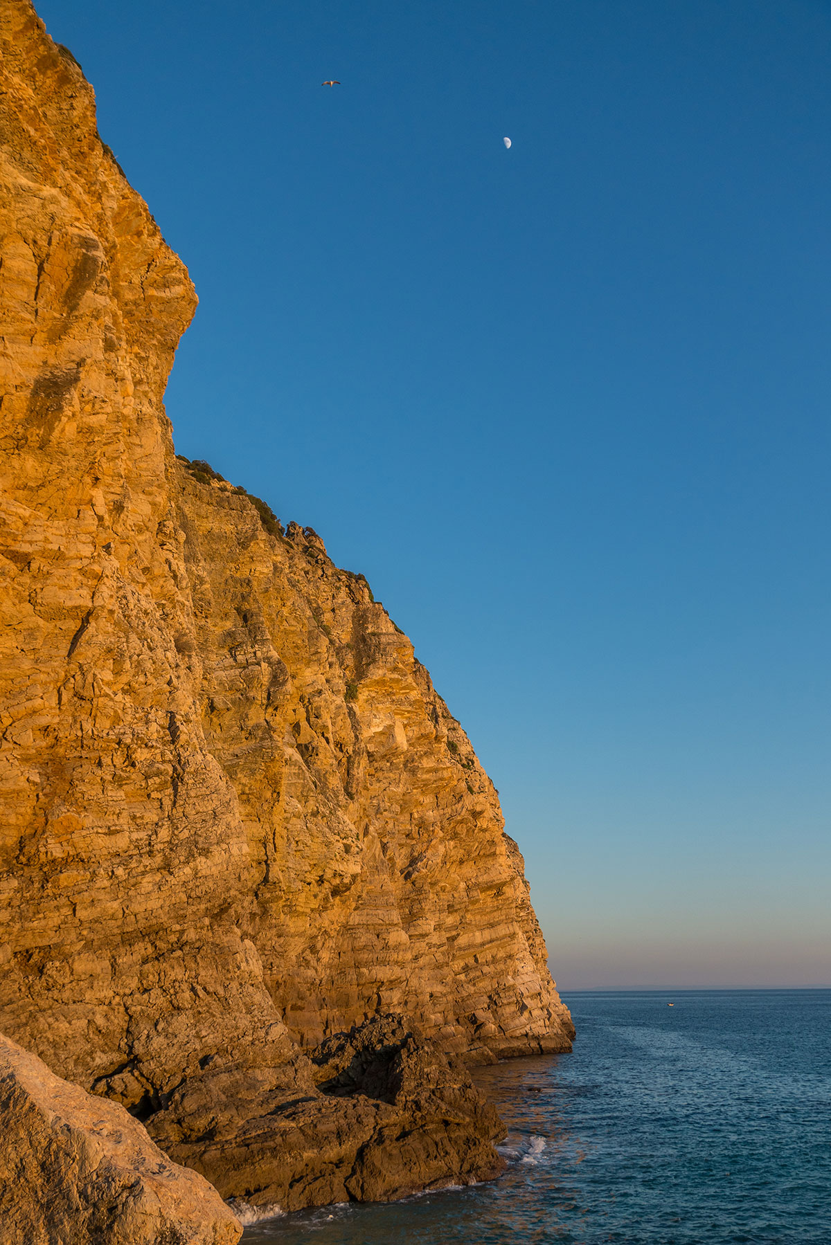 Portugal, Sesimbra, Küste am Dente do Leão